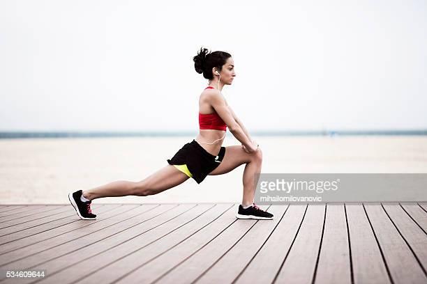 di mattina esercizio - inguine foto e immagini stock