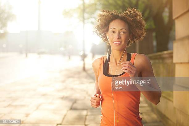 morning fitness jog - liverpool training stock pictures, royalty-free photos & images