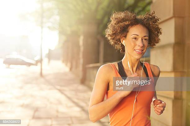 morning fitness run - liverpool training stock pictures, royalty-free photos & images