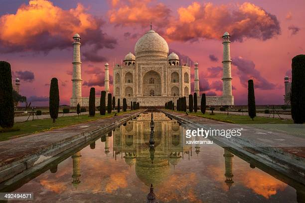 morning in taj mahal - taj mahal stock photos and pictures
