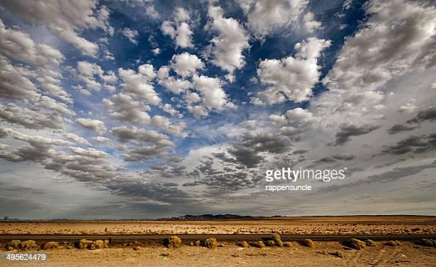 morning in the mojave desert - カリフォルニア州ベーカー ストックフォトと画像