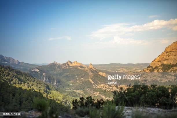 山の朝。カタルーニャ。スペイン。 - カタルーニャ州 ストックフォトと画像