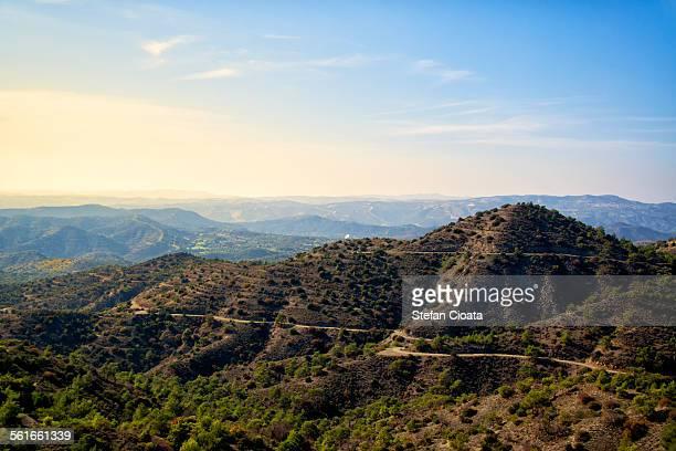 morning in trodos mountains - insel zypern stock-fotos und bilder