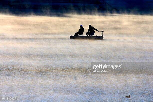 morning lake mist - castaic lake stock pictures, royalty-free photos & images