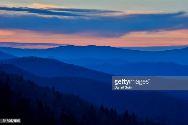 morning layering smoky mtns. newfound gap sunrise - newfound gap stock pictures, royalty-free photos & images