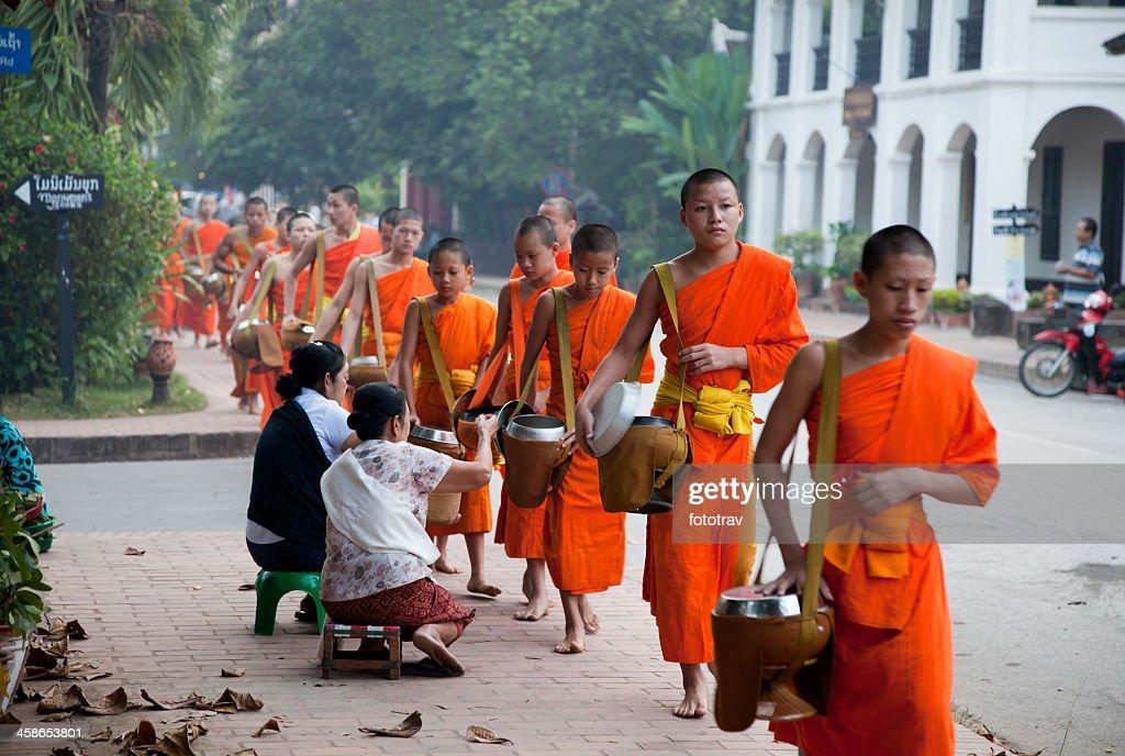 Morgen monk-Prozession in Luang Prabang, Laos : Stock-Foto