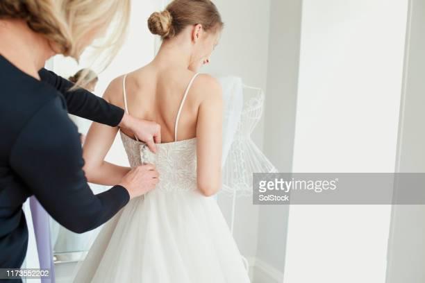 ochtend van de bruiloft - the past stockfoto's en -beelden