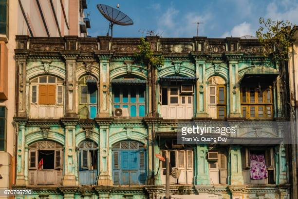 morning on the street of chinatown, the downtown in yangon, myanmar - ジュンタ ストックフォトと画像
