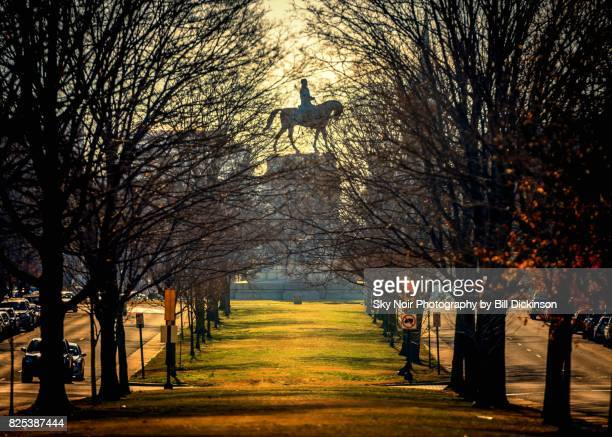 morning ride - monument avenue richmond stock pictures, royalty-free photos & images
