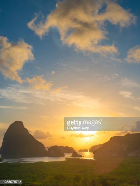morning sun at phang-nga bay, thailand - インド洋 ストックフォトと画像