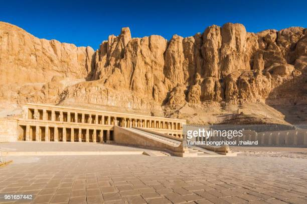 morning time at valley of the kings in luxor city ,egypt - tal stock-fotos und bilder