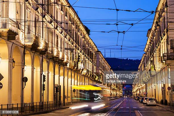 morning traffic in turin - turim - fotografias e filmes do acervo