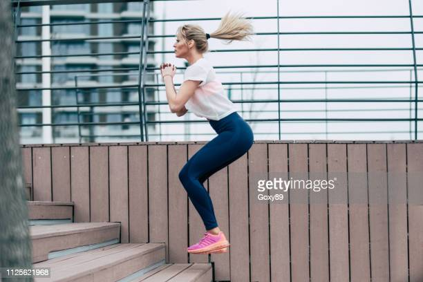 morning training - cardiovascular exercise stock pictures, royalty-free photos & images