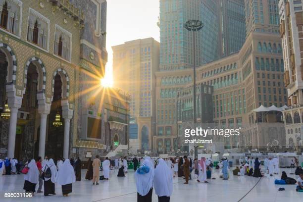 morning view in masjid al-haram - shaifulzamri stock pictures, royalty-free photos & images
