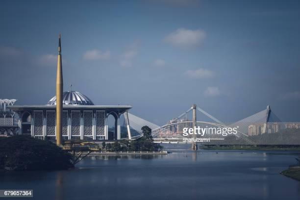 morning view in putrajaya, malaysia - shaifulzamri stock-fotos und bilder