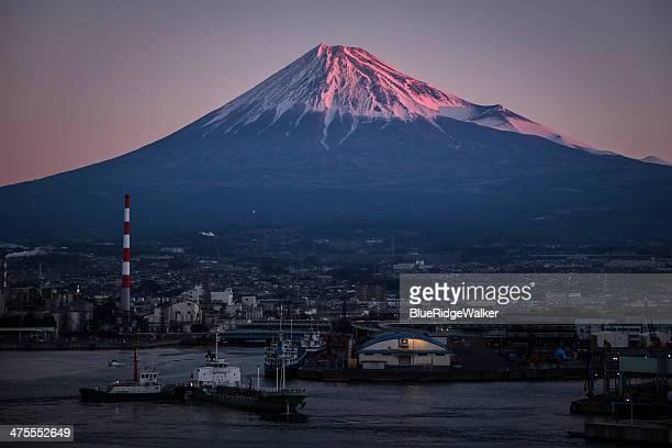 morning views of tagonoura port - shizuoka stock pictures, royalty-free photos & images