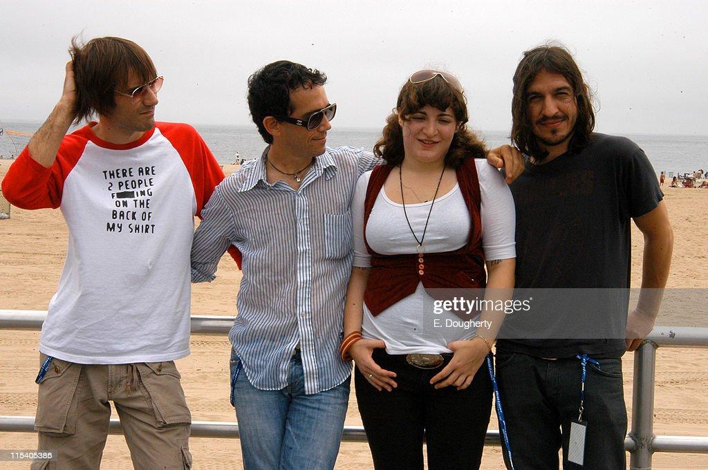 The Village Voice 5th Annual Siren Music Festival - July 16, 2005 : News Photo