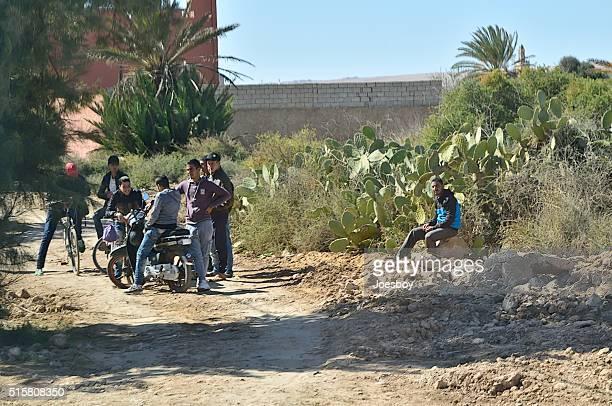 Marocain garçons faire des rencontres en Zaouit Massa