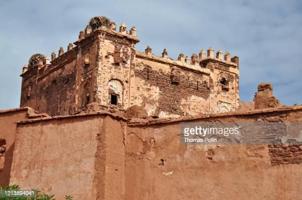 moroccan kasbah - telouet kasbah photos et images de collection