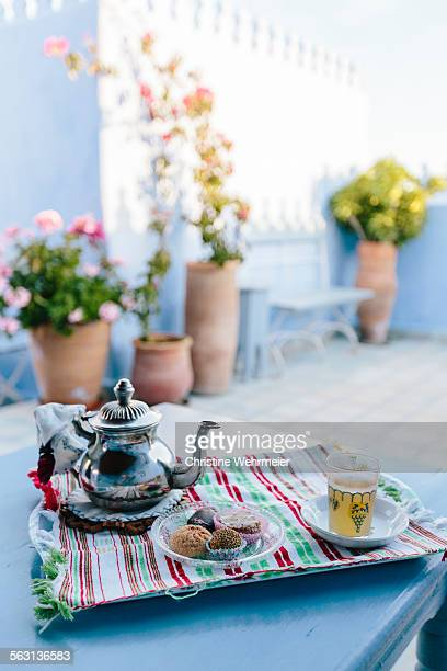 moroccan mint tea - christine wehrmeier stock pictures, royalty-free photos & images