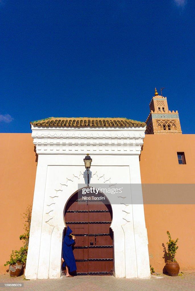 Moroccan playing flute, Koutoubia, Marrakech : Stock Photo