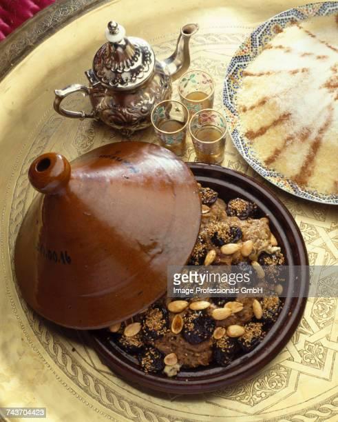 moroccan prune and almond tajine - dörrpflaume stock-fotos und bilder