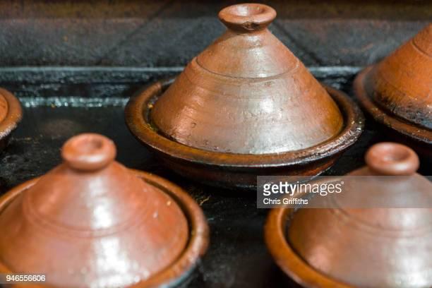 moroccan street food, marrakesh - tajine fotografías e imágenes de stock