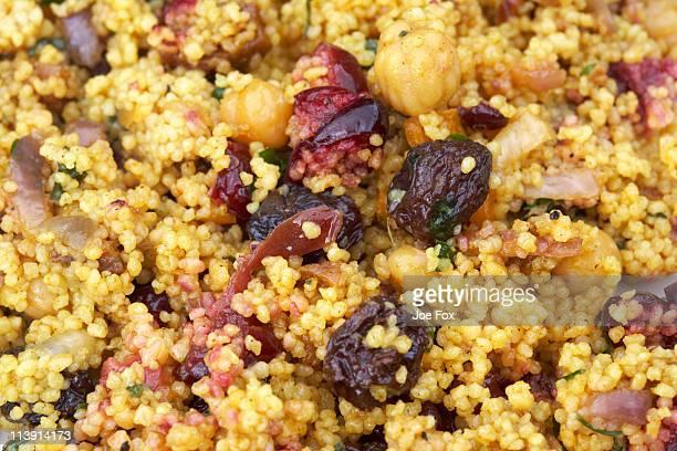 moroccan style couscous - couscous marocain photos et images de collection