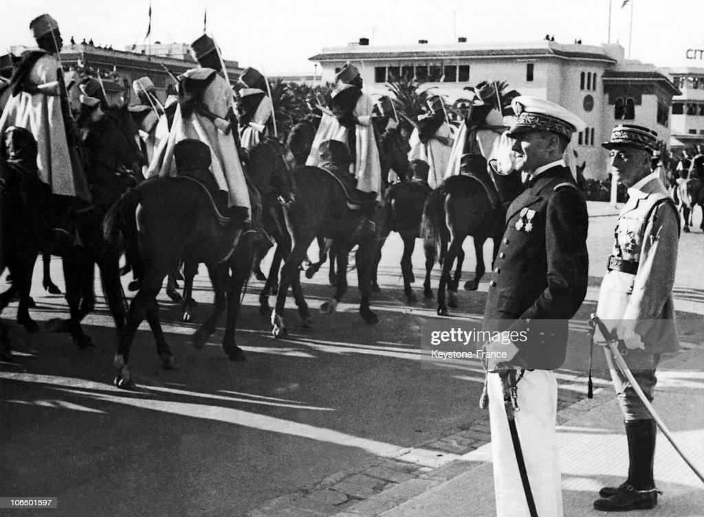Morocco, Amiral Gabriel Auphan Inspecting A Spahis Regiment : Photo d'actualité