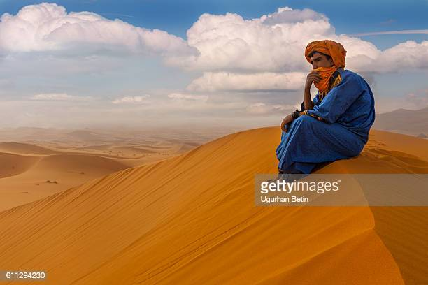 morocco man - merzouga stock pictures, royalty-free photos & images
