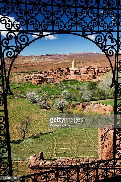 morocco, south of the high atlas-tizi-n-tichka pass road, telouet village, ruins of the glaoui kasbah, village view from kasbah window - telouet kasbah photos et images de collection