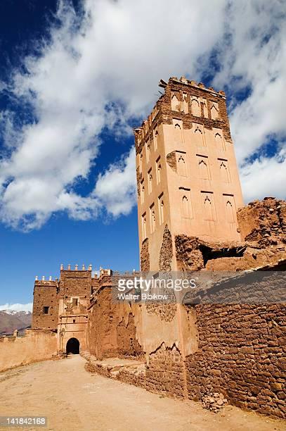 morocco, south of the high atlas-tizi-n-tichka pass road, telouet village, ruins of the glaoui kasbah - telouet kasbah photos et images de collection