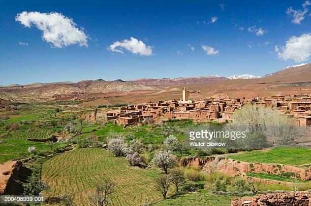 morocco, tizi n tichka pass, telouet, ruins of the glaoui kasbah - telouet kasbah photos et images de collection