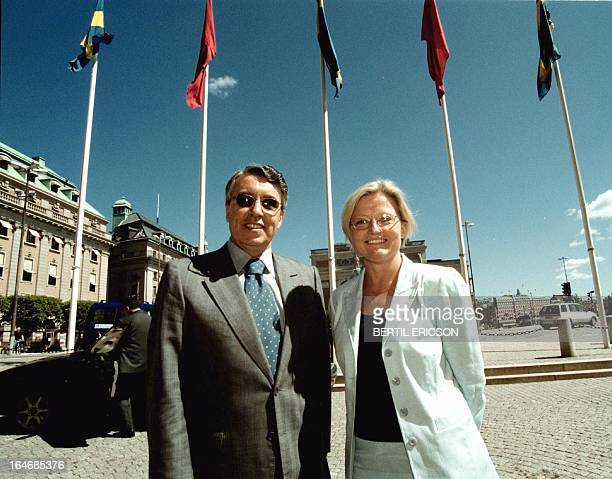 Morocco's Foreign Minister Mohamed Benaissa and his Swedish counterpart Anna Lindh pose during Benaissa's one dayvisit to Stockholm 14 June 2000...