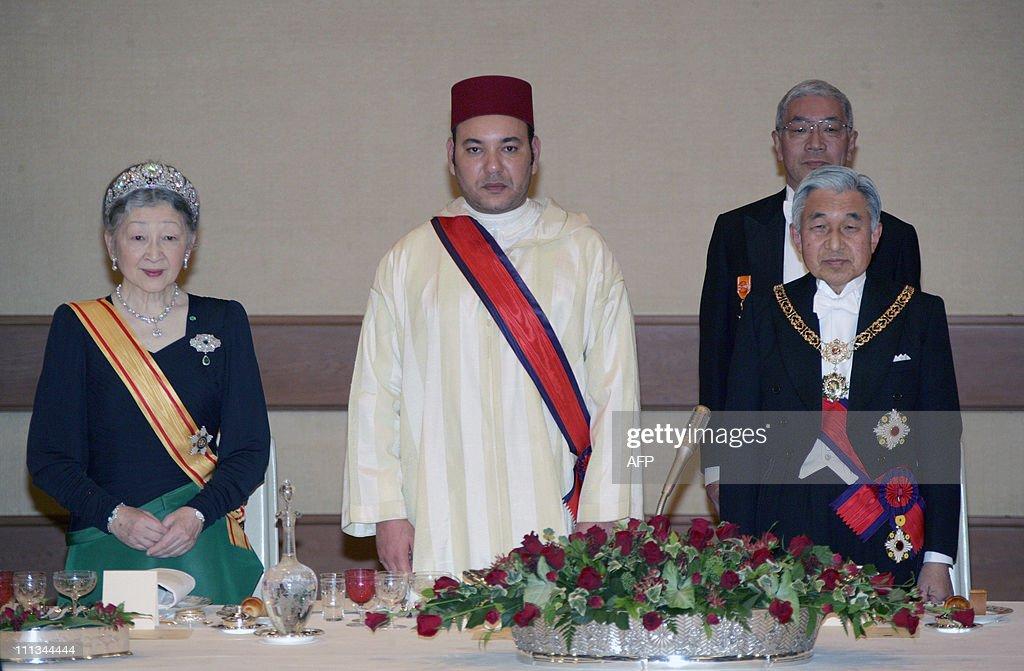 Morocco's King Mohammed VI (C), Japan's : News Photo