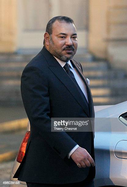 Morocco's King Mohammed VI leaves after a meeting with French President Francois Hollande at the Presidential Elysee Palace on November 20 2015 in...