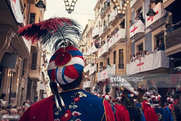 moros y cristianos, traditional festival in alcoy - moruno fotografías e imágenes de stock
