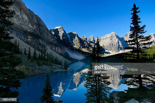 morraine lake, banff national park, canada - ogphoto stock photos and pictures
