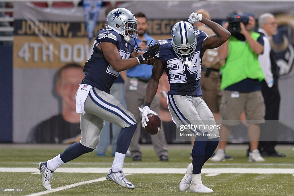 Dallas Cowboys v St Louis Rams : News Photo