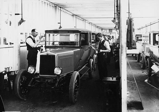 1928 Morris Cowley Saloon Paint Shop, C1928. Wall Art