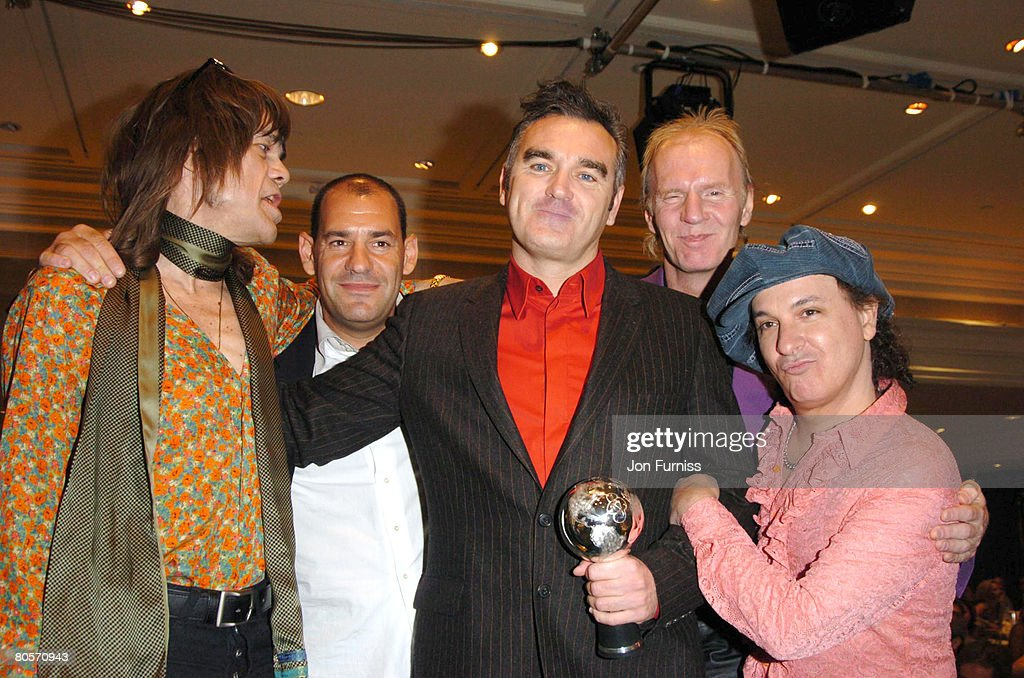 Morrissey, winner of the Silver Clef Award (center), with David Johansen, Arthur 'Killer' Kane and Sylvain Sylvain of the New York Dolls, and guest
