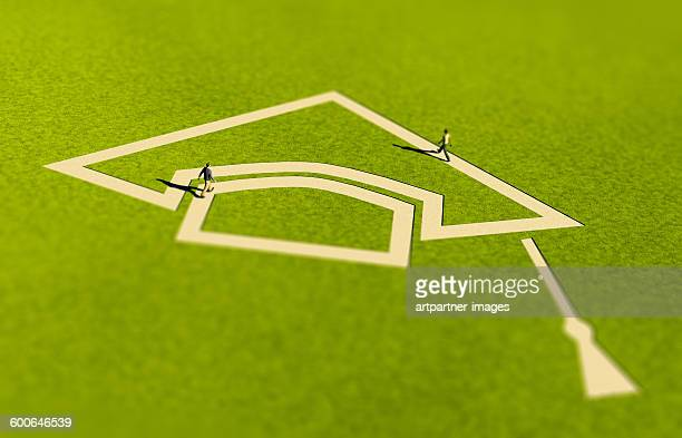 Mortarboard shaped path