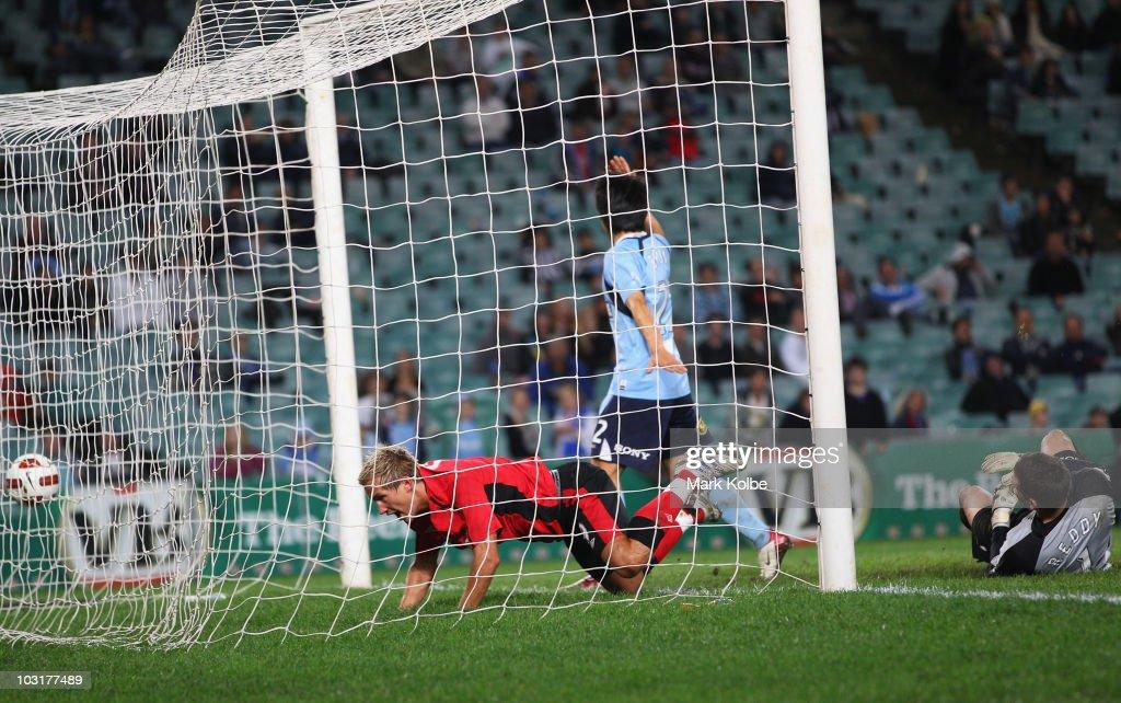 Sydney FC v Blackburn Rovers : Nachrichtenfoto