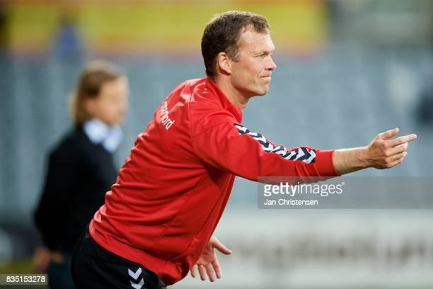 Morten Wieghorst head coach of AaB Aalborg gives instructions during the Danish Alka Superliga match between AC Horsens and AaB Aalborg at Casa Arena...