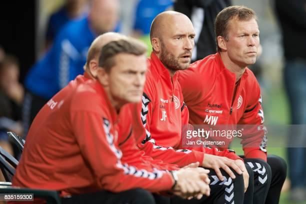 Morten Wieghorst head coach of AaB Aalborg looks on during the Danish Alka Superliga match between AC Horsens and AaB Aalborg at Casa Arena Horsens...