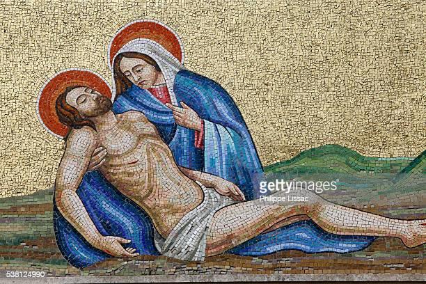 mosaic in montesano graveyard - pieta stock pictures, royalty-free photos & images