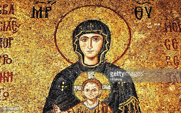 mosaic of virgin mary and infant jesus - byzantine stock pictures, royalty-free photos & images