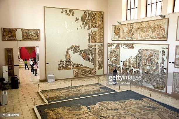 mosaics at archaeology museum in hatay, turkey - hatay stockfoto's en -beelden