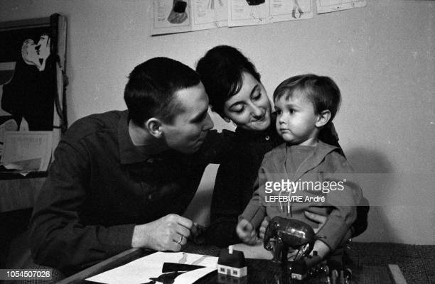 Moscou Urss février 1963 Rendezvous avec le jeune couturier russe Viatcheslav 'Slava' ZAITSEV 24 ans dont les modèles transforment la femme...