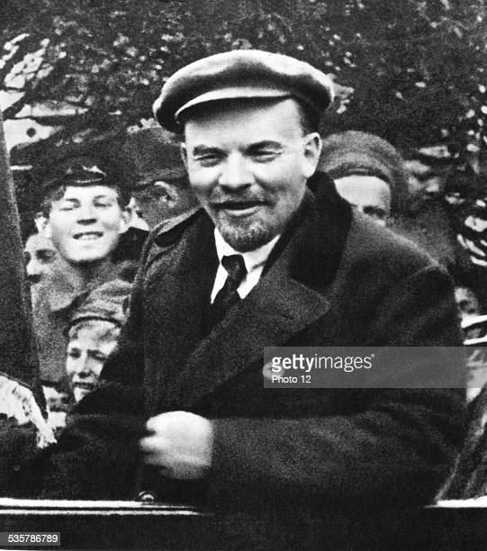 Moscow Lenin visiting the workers at the Roubliovo pumping station May 1st USSR